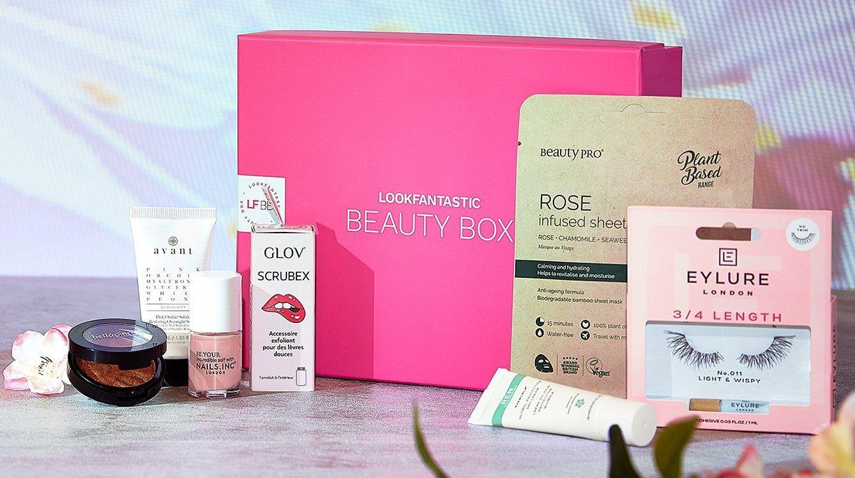Scopriamo la beauty box di Aprile – 'Blossom' Edition