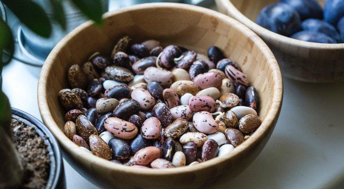 Cele mai bune 9 surse vegetariene și vegane de proteine