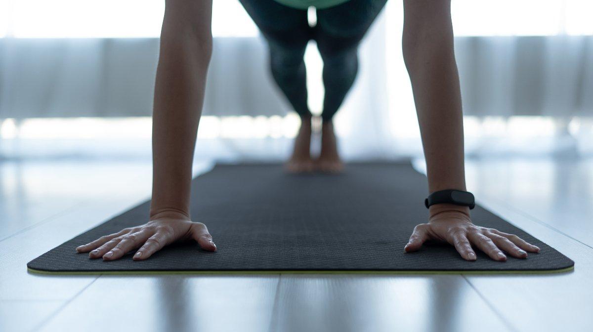 5 metode să faci mișcare acasă - Myprotein Blog