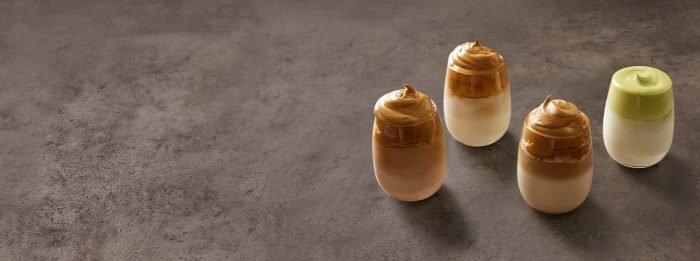 Cafeaua bătută a crescut în popularitate pe parcursul izolării — iată cum să faci o versiune bogată în proteine