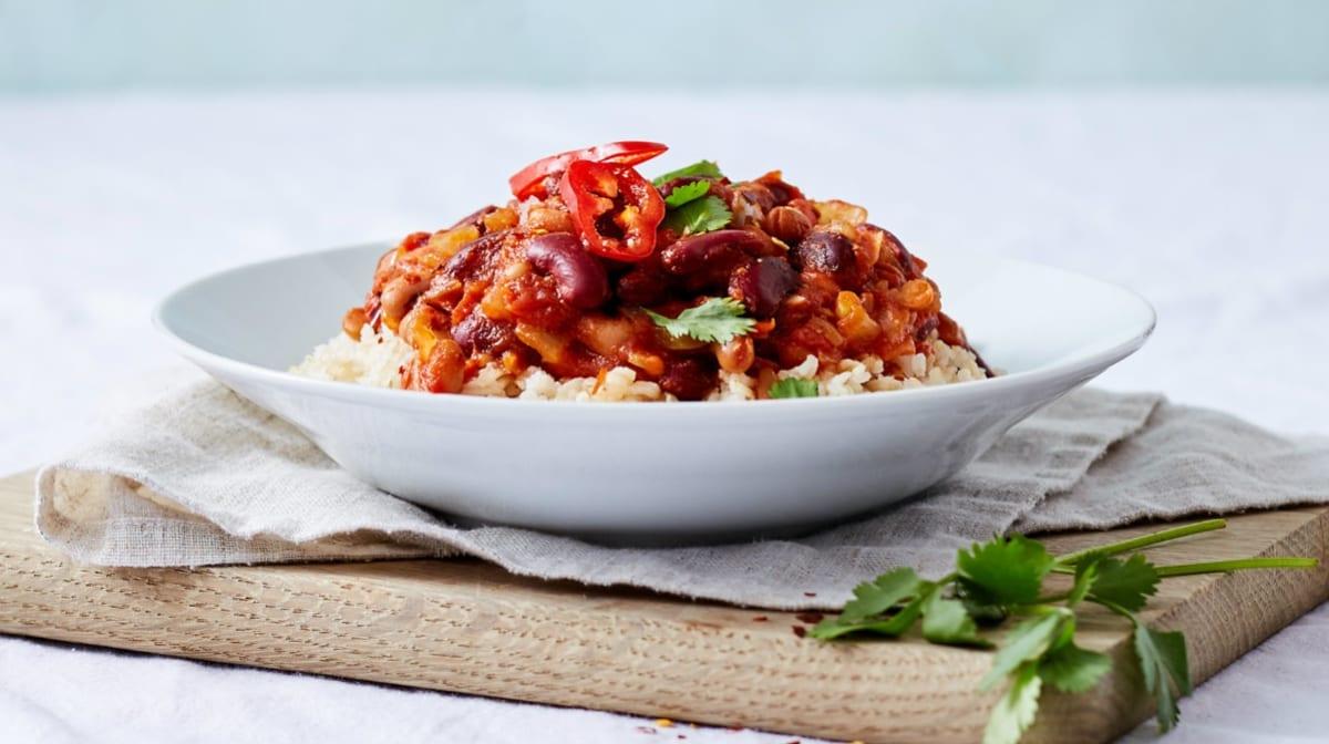 15 minutters vegansk opskrift | Spicy chiligryde med bønner