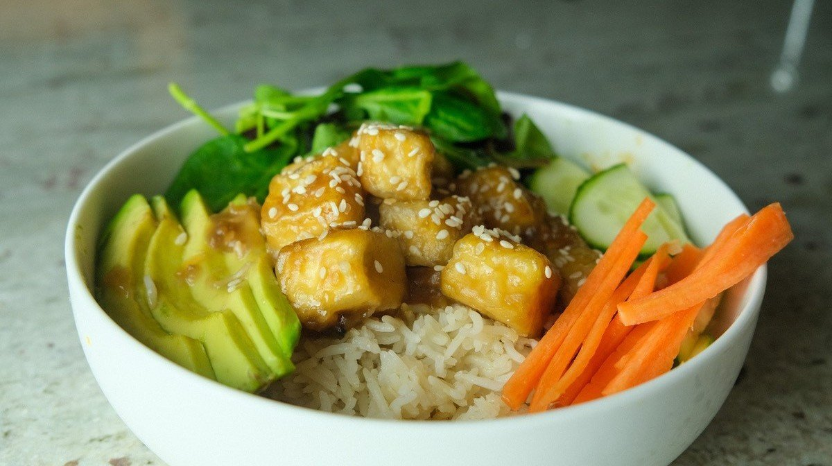 Sprød Teriyaki Tofu & Ris | Vegansk Meal Prep
