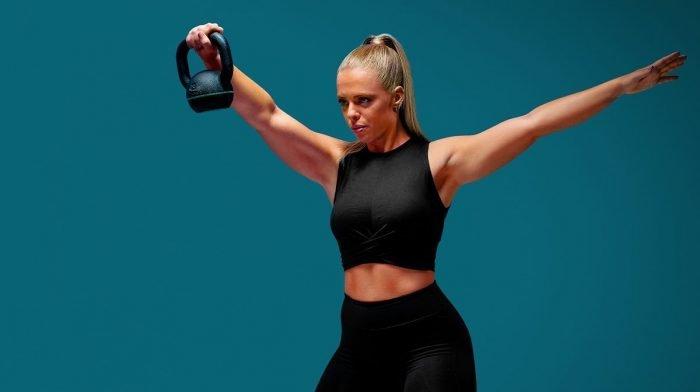 Kosttilskud du skal tage for at opbygge muskler | Kosttilskuds guide til et helt døgn