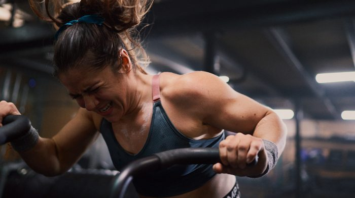 Træning underlockdown| Sådan får voresatlet,EmelyeDwyerdet til at fungere