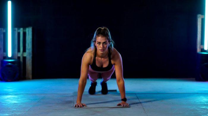 Hjemmetræning | 20 Minutters HIIT Træning