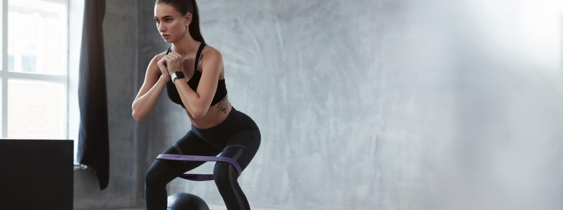 8 эффективных упражнений с эспандером (С ВИДЕО)