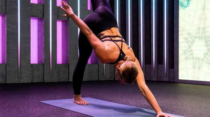 Bad DOMS? Try This Full-Body Stretch From Fiit