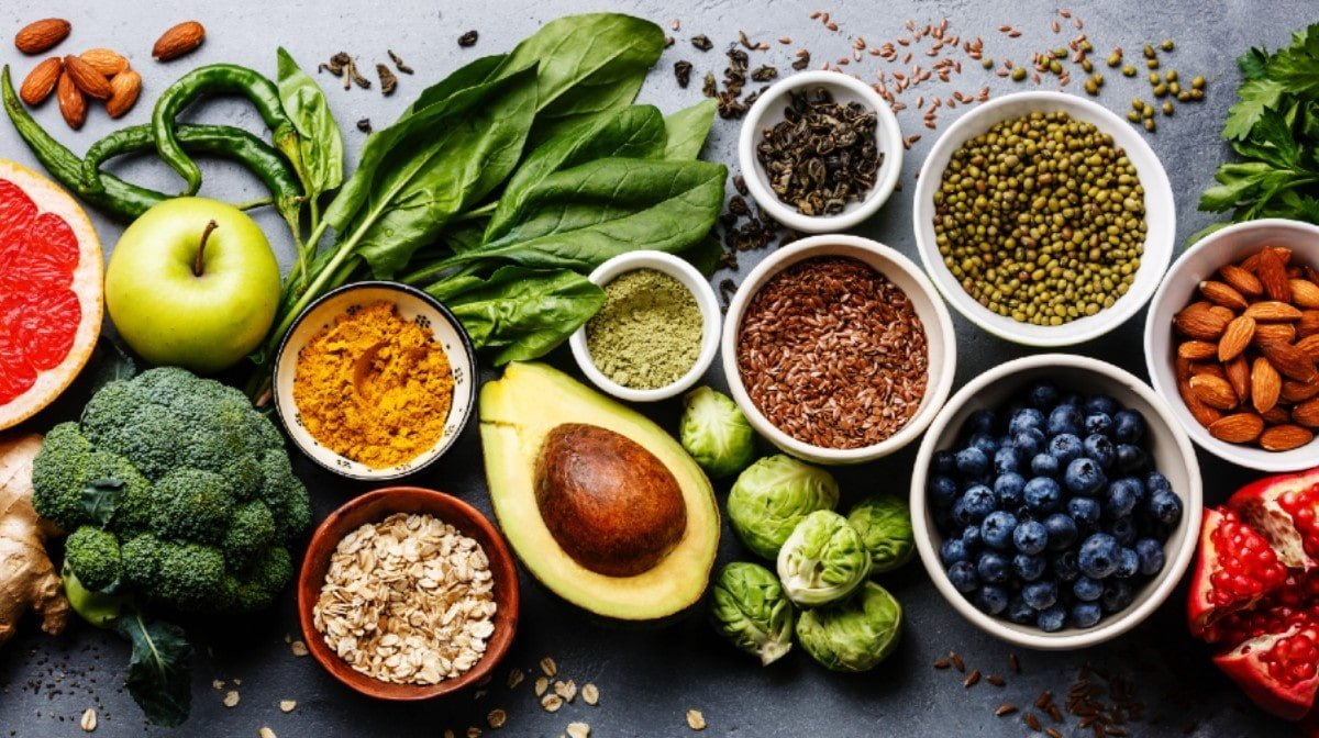 What is the Raw Food Diet? Benefits, Risks & What You Can Eat
