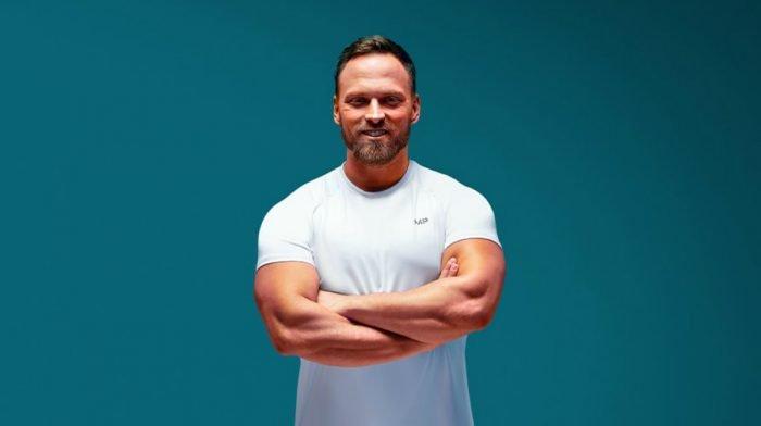 ダンベルを使ったベストな肩のエクササイズ|筋肉量を増やすための肩のワークアウト