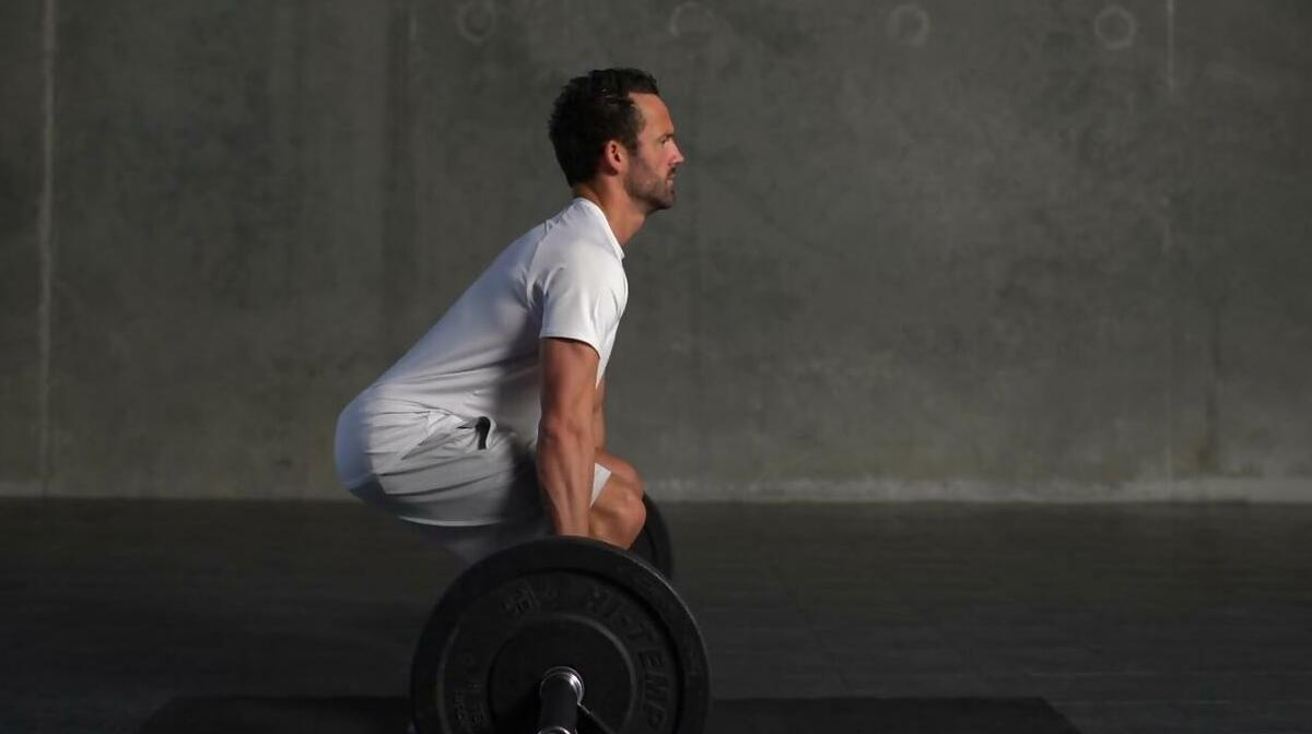 デッドリフトに関する10の間違い|腰痛の原因