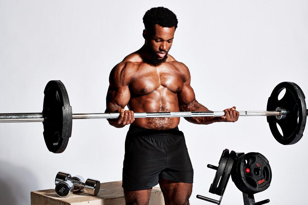 胸と背中のワークアウトで筋肉を鍛える