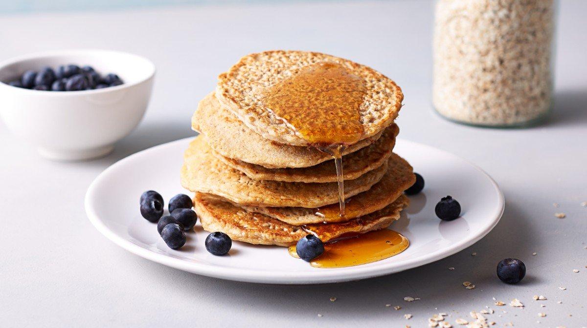バナナプロテインパンケーキ|たった4つの材料で簡単なレシピ