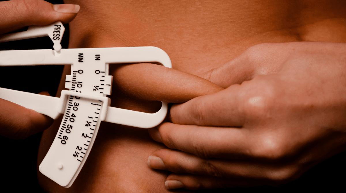 体脂肪率の計算方法と推奨される体脂肪率 マイプロテイン