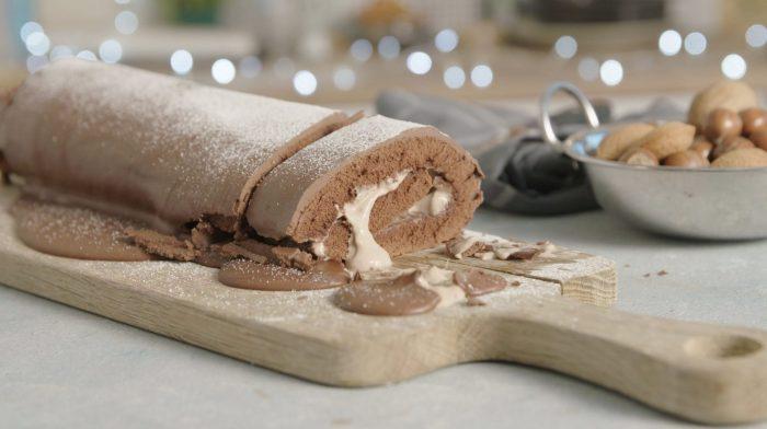 Božićna proteinska čokoladna rolada