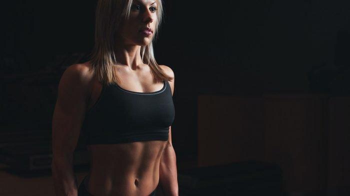 Vatsalihastreeni | 7 tehokasta liikettä litteään vatsaan