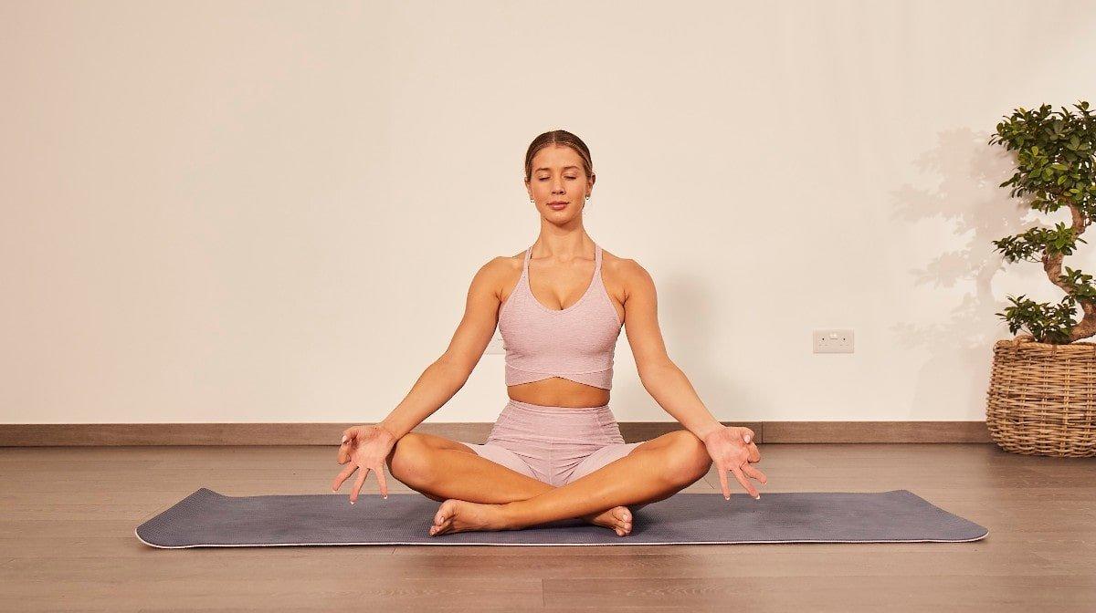 Stressin lievitys joogalla | Rentoutustekniikoita
