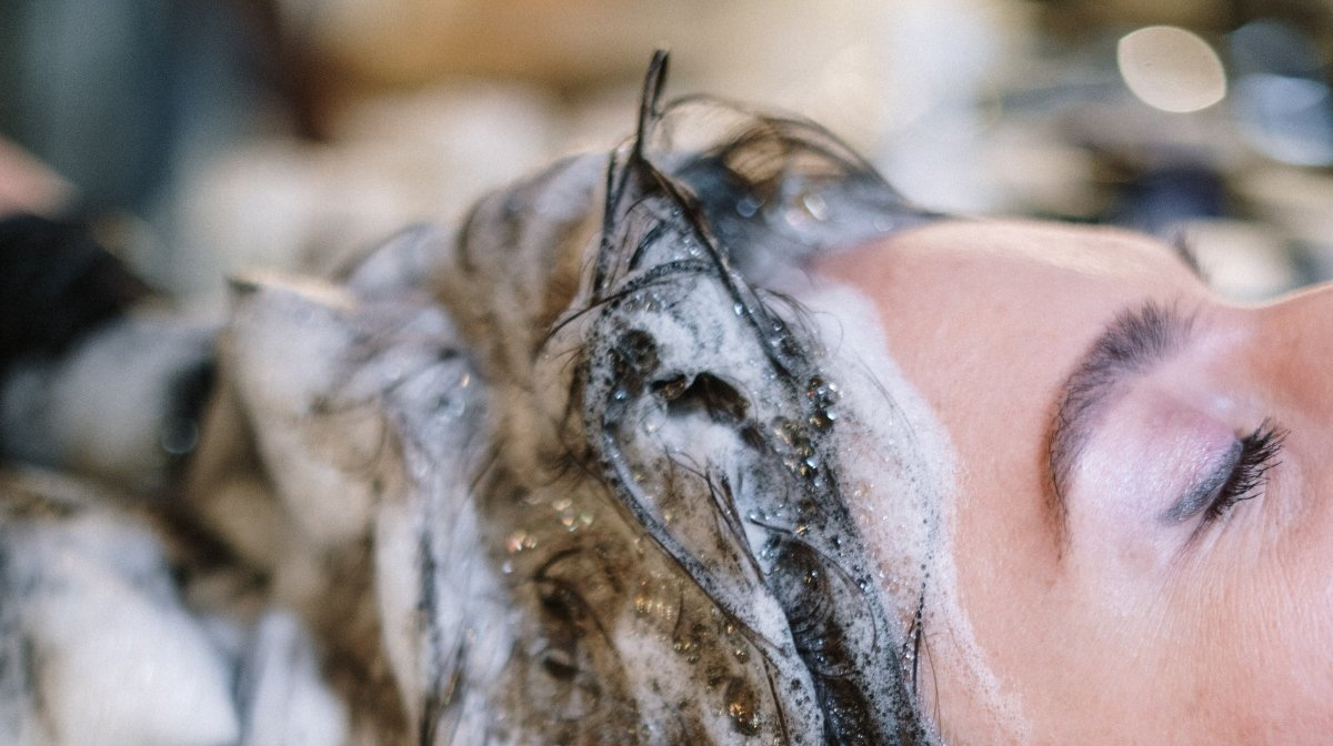 How To Use A Scalp Scrub To Exfoliate Your Scalp