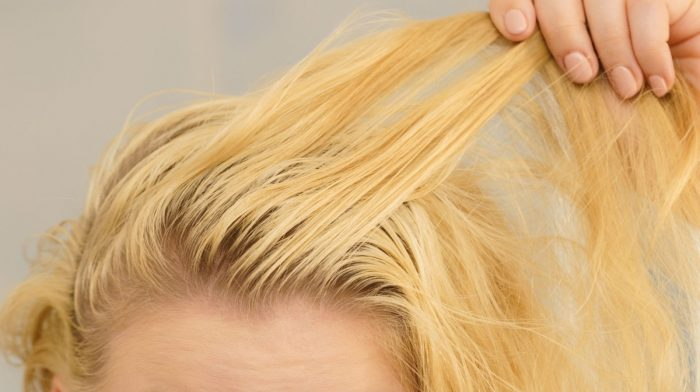 Which are the Best Shampoos for Greasy Hair?