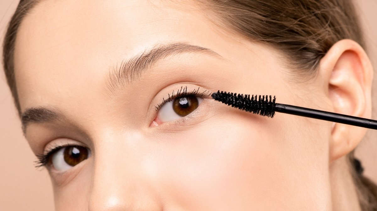 Why Your Eyelashes Might be Falling Out
