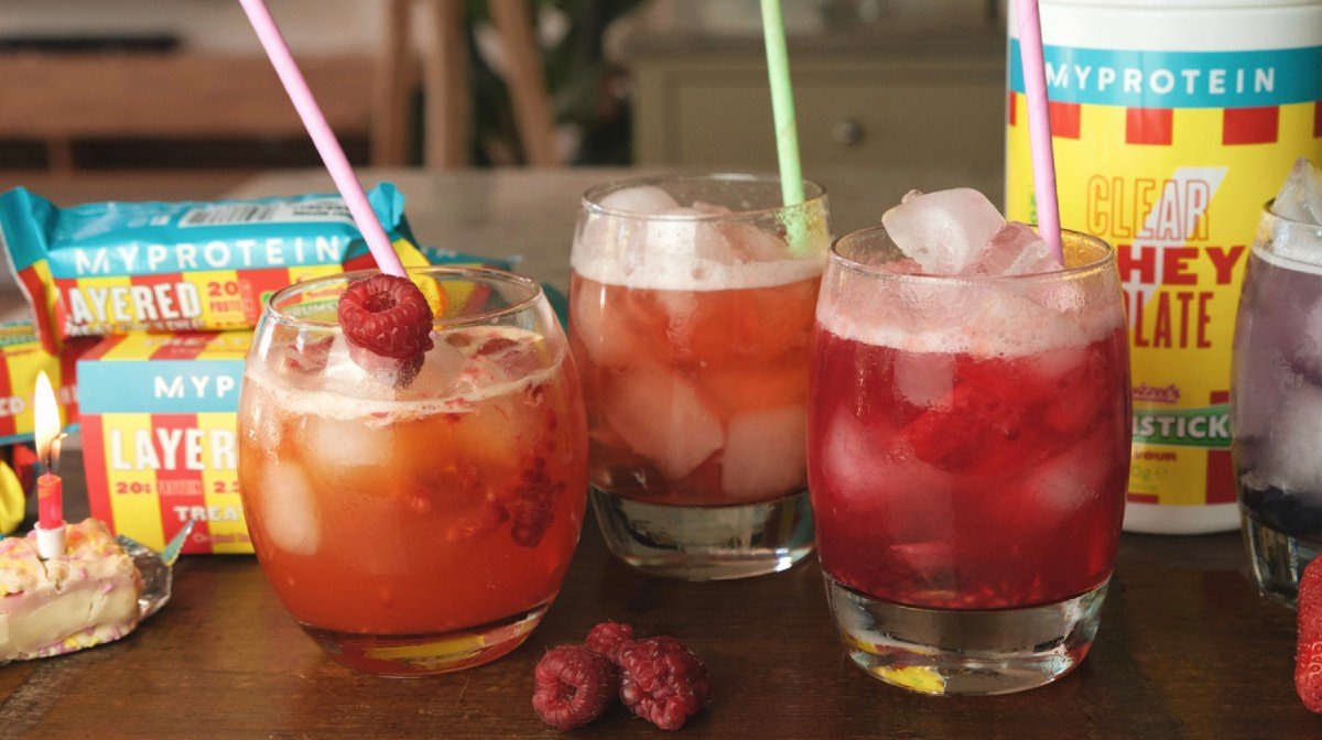 Mocktails spécial anniversaire | Célébrez nos 16 ans avec les friandises Swizzels