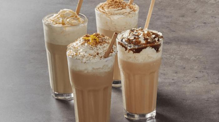 4 recettes de café glacé protéiné