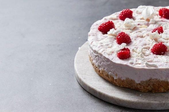 "Cheesecake glacé protéiné ""Eton Mess""   Cuisine du Monde"