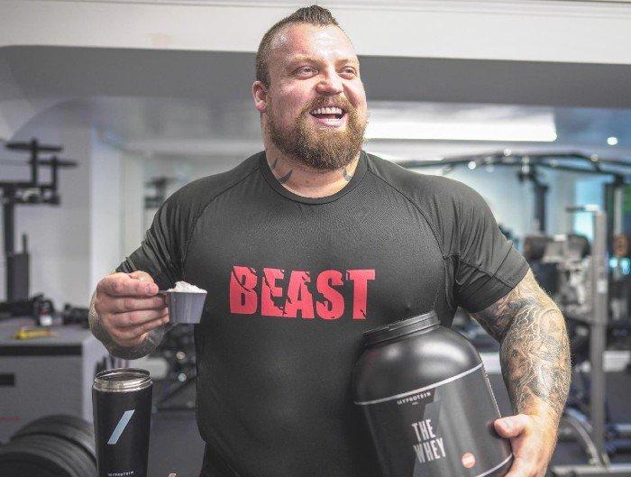 12000 calories par jour ?! L'ancien régime d'Eddie Hall, strongman et recordman