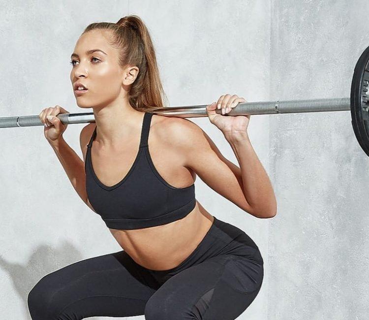Kniebeugen korrekt ausführen | Dein Guide für Langhantel Squats