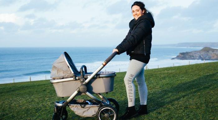 Corinne Evans über Selbstliebe, Körperpositivität & das Werden einer Mutter