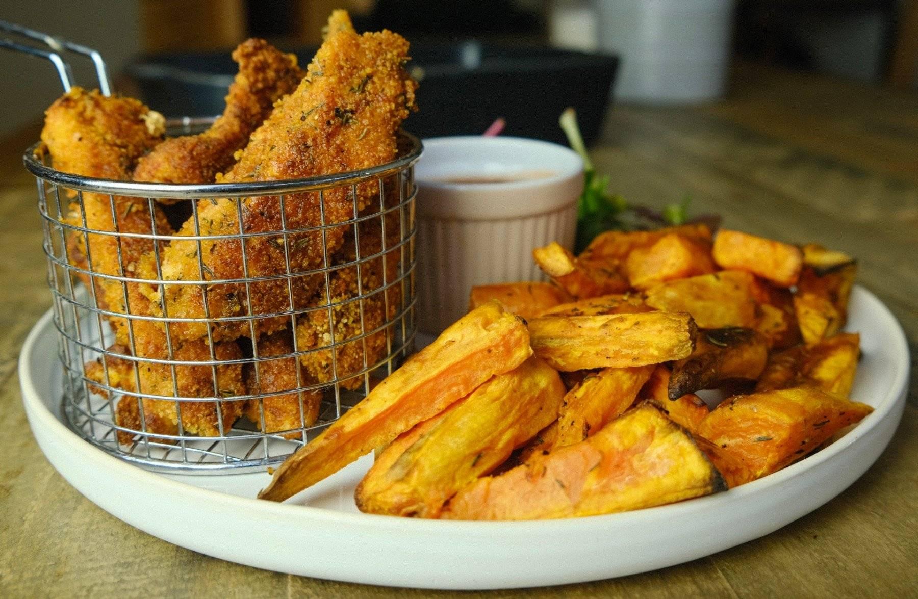 Crispy Chicken mit zuckerfreier Sauce | Südstaatenküche