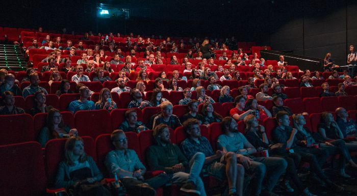 Kino Fitness, neue Wege zur Messung von Kilokalorien & Koffein Vs. Training | Die Top-Studien der Woche