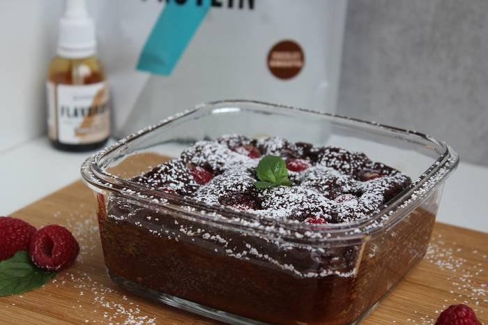 Proteinreicher Himbeer-Schokoladenauflauf | Kalorienarmes Dessert für Zwischendurch