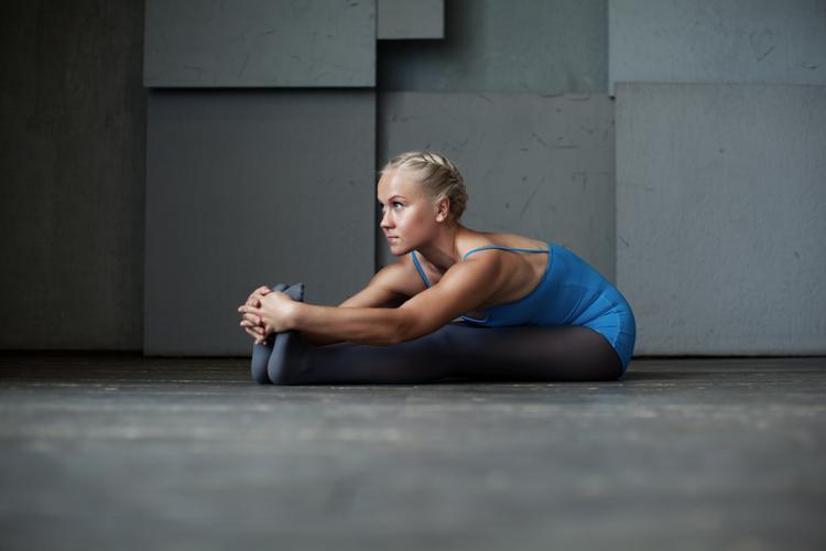 10 Basis Yoga-Übungen für Anfänger | Yoga Training einfach gemacht