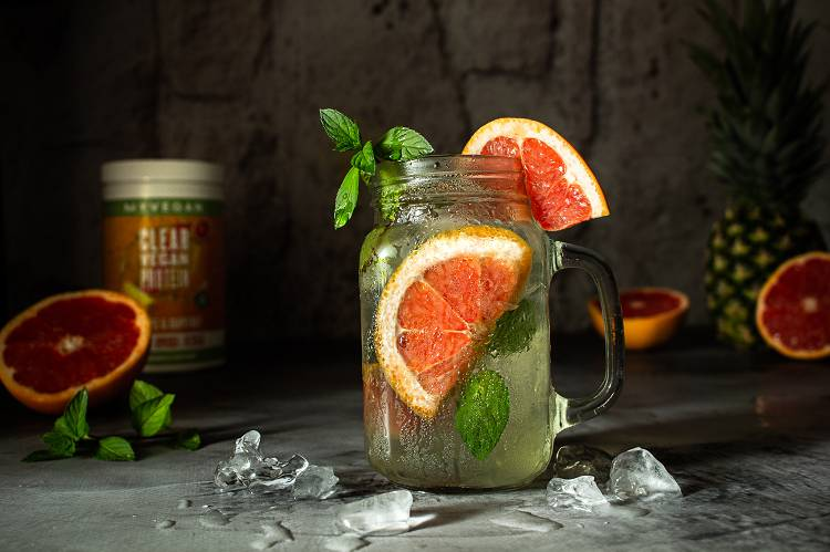 Fruchtige Vegan Clear Protein Limonade