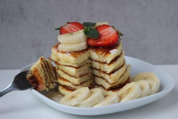 Fluffige Grieß Pancakes | Frühstücks-Idee