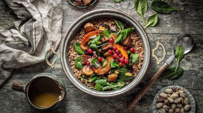 Dinkelsalat mit Ofengemüse und Johannisbeeren | Meal Prep