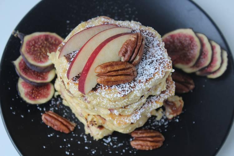 Kalorienarme Apfel Pancakes | Frühstücksidee