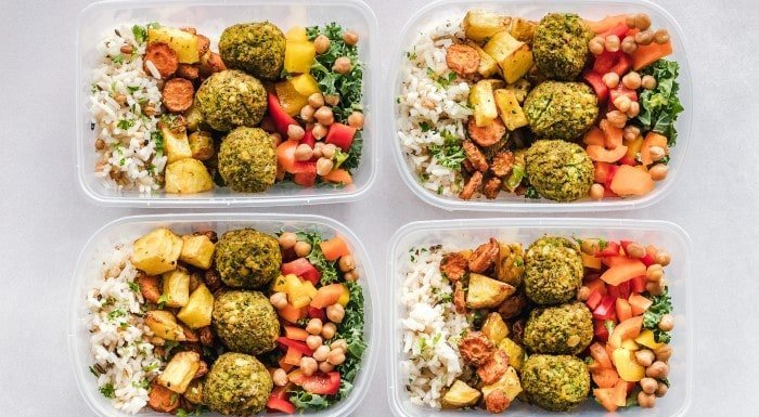 Wie du ein Kaloriendefizit in 3 Schritten berechnest