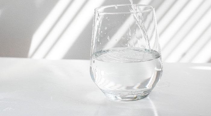 Ist Wasserfasten sicher? Alles, was du darüber wissen musst
