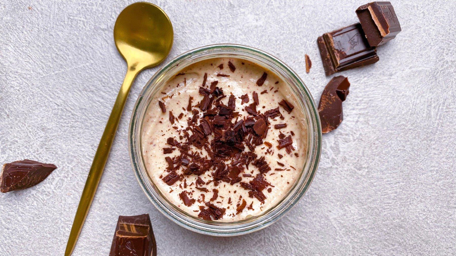 Veganes Erdnussbutter Mousse mit 3 Zutaten