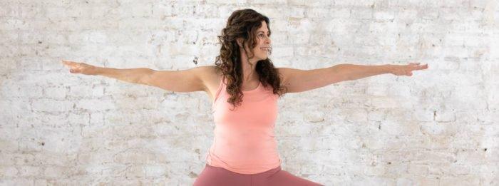Das 34 Minuten Vinyasa Yoga Workout von 8fit | Finde deine innere Ruhe