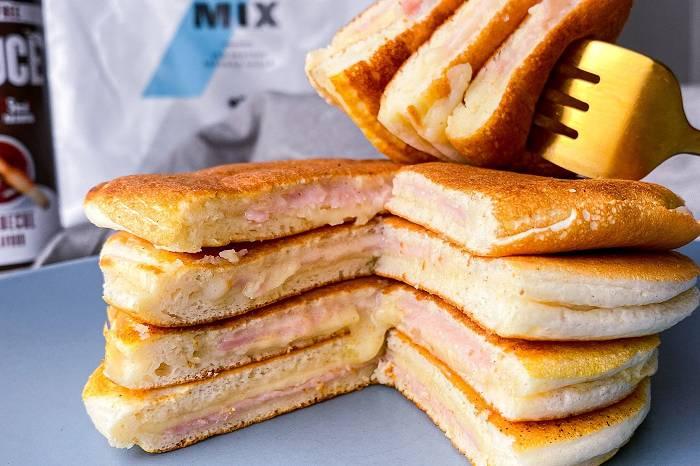 Mit Schinken & Käse gefüllte Pancakes | Würdest du diesen Toastie Pancake probieren?