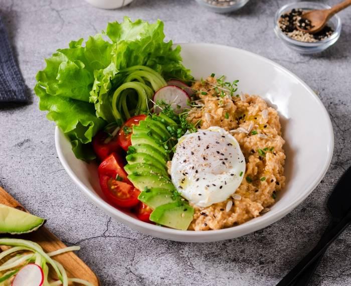 Frühstücks-Porridge Zweierlei | Wähle zwischen süß & herzhaft
