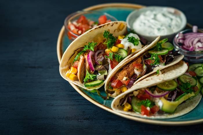 Tacos mit Hähnchenfilet & Tomaten-Salsa