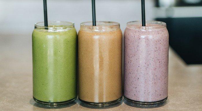 Wie du zu Hause einen eigenen Mahlzeitenersatz-Shake kreierst