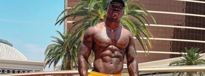 """Six Pack Attack Workout mit Darien """"The Ab Guy"""" Johnson"""