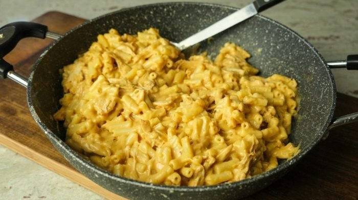 BBQ Pulled Chicken Mac N Cheese