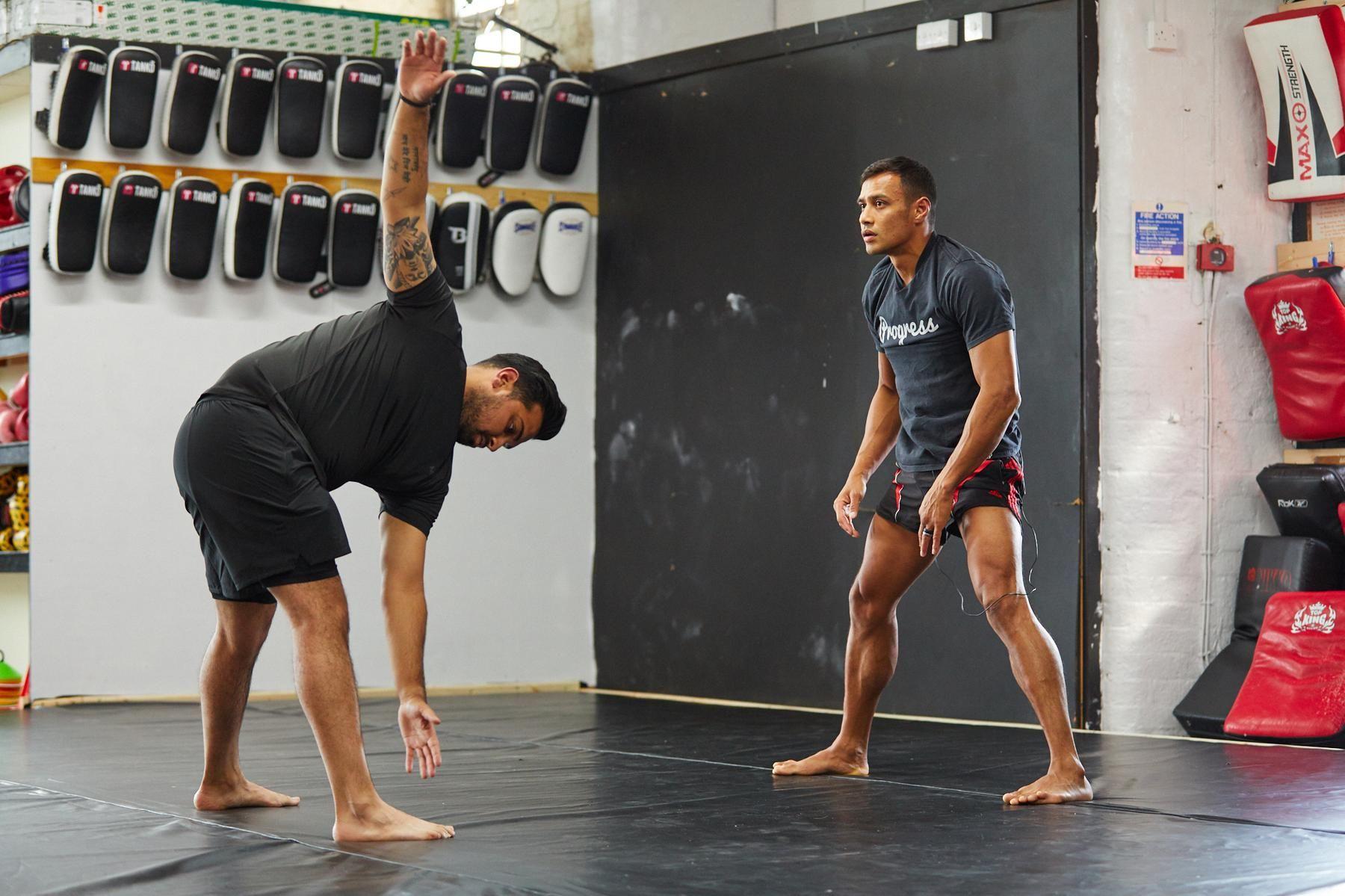 Probiere Punit's explosives Muay Thai Schulter-Workout | #MyChallenge