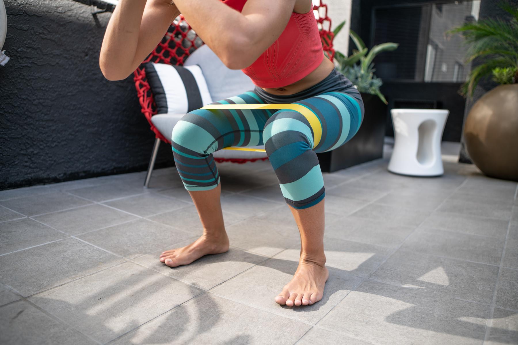 Wie du ein Ganzkörper-Workout mit Widerstandsbändern absolvieren kannst