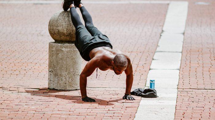 Ganzkörper-Workout | 10 Übungen für die du kein Equipment brauchst